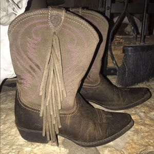 Girls 13.5 Ariat Boots